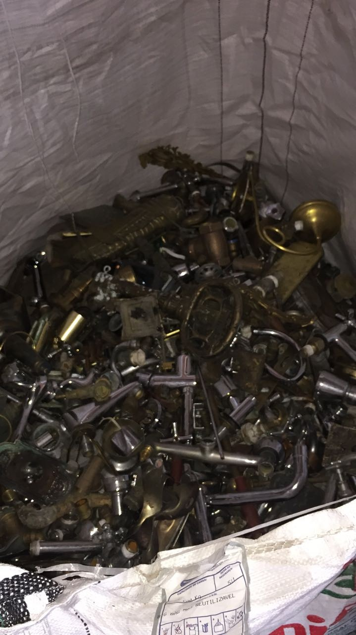 25 MT - 30 MT per Month Brass Scrap for Sale