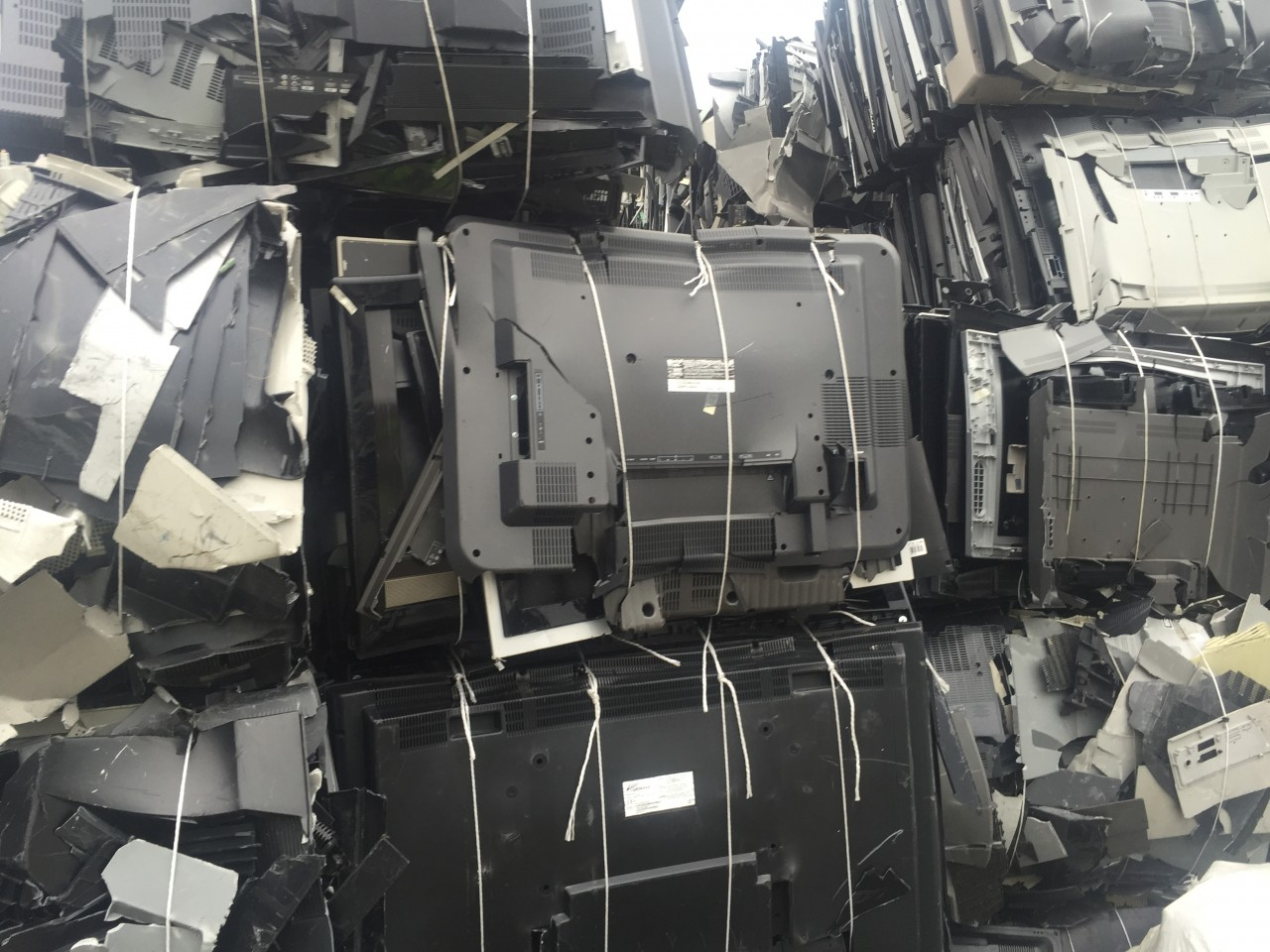 For Sale: 50 MT CRT TV Computer housing pack in bales
