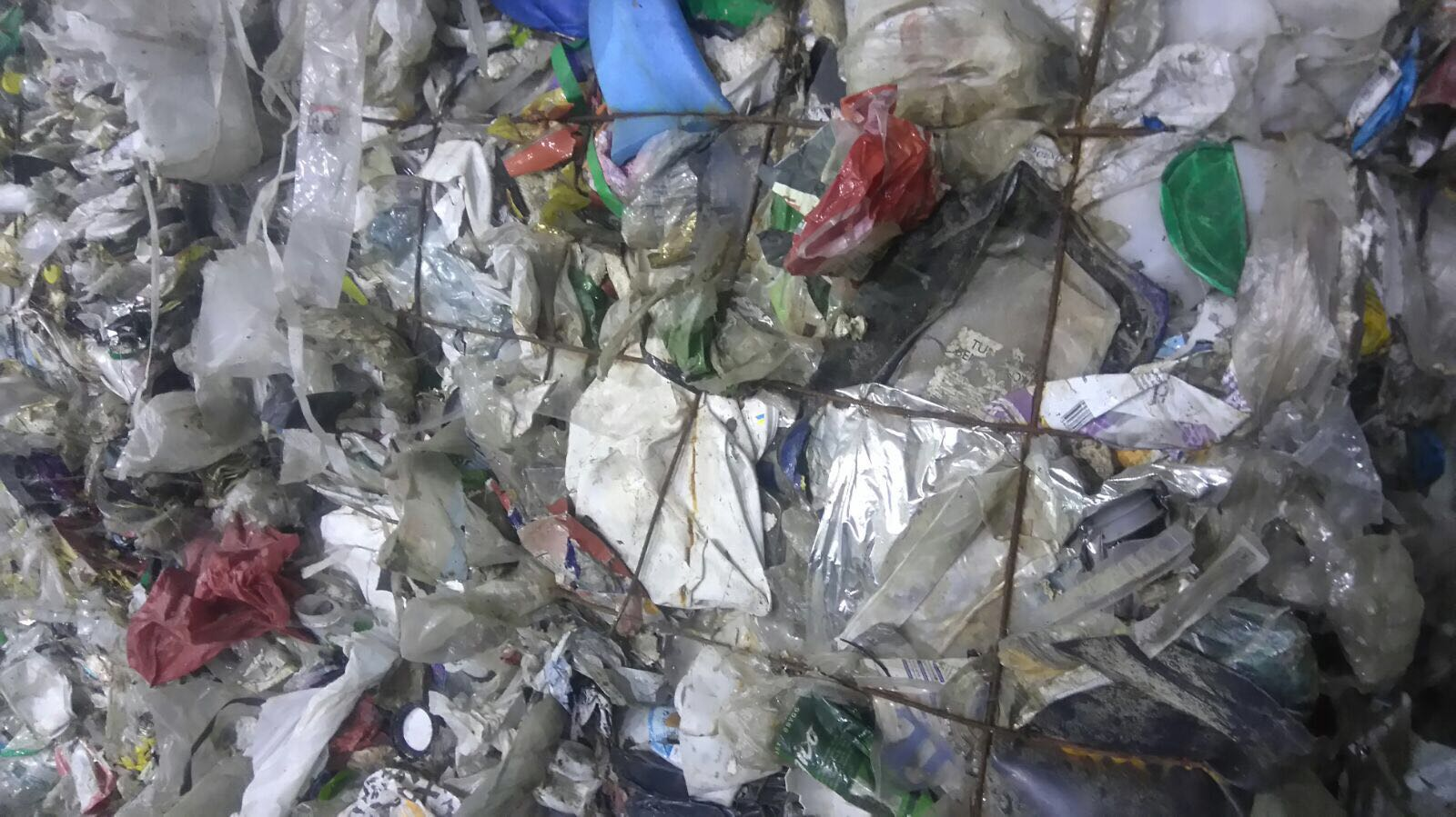 240MT of Mixed Plastic Scrap for sale