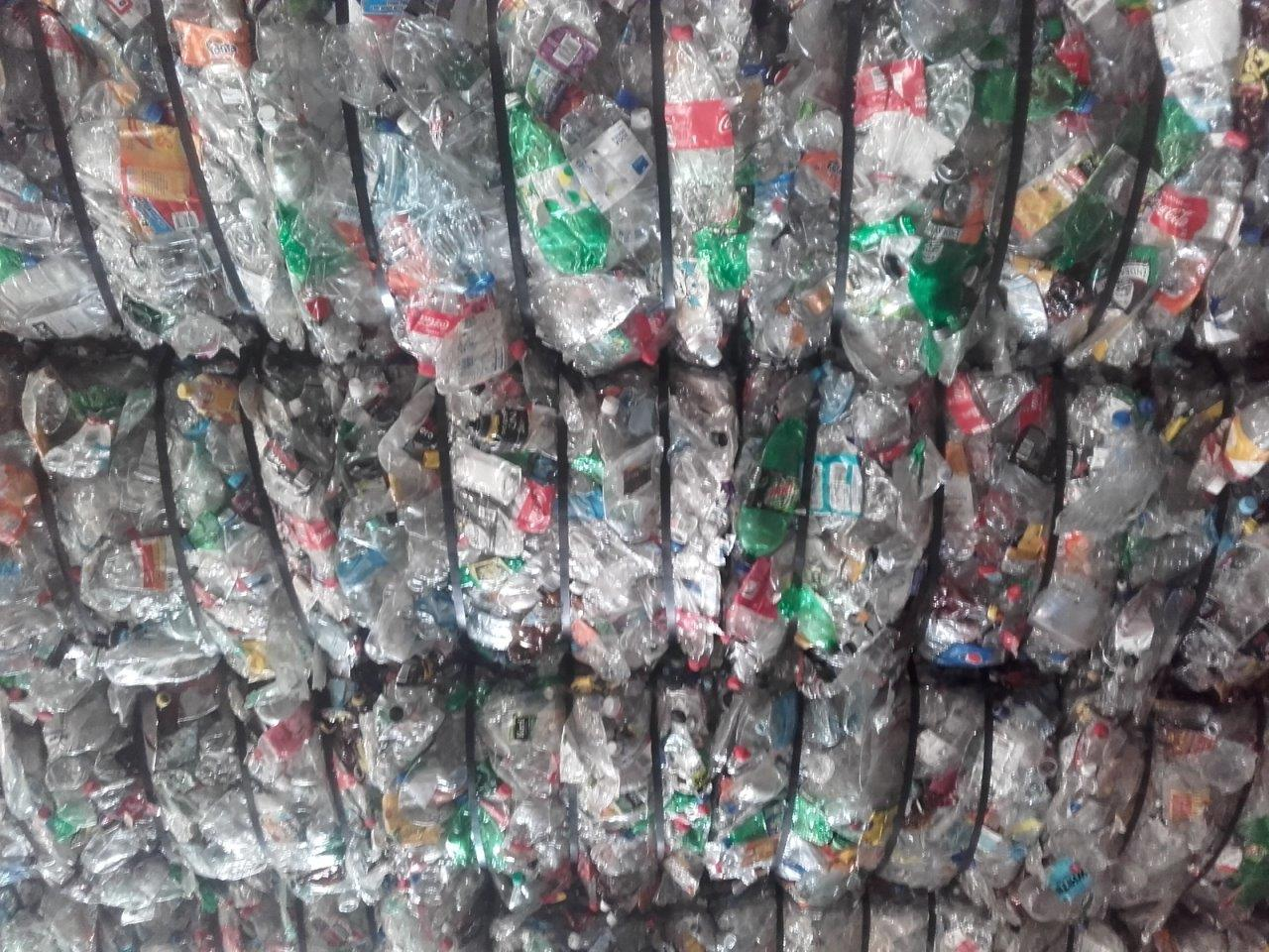 150MT Mixed color PET Bottles Scrap for Sale