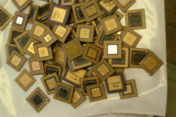 Selling Intel Pentium PRO Ceramic CPU Scrap, Gold Scrap i486 and 386