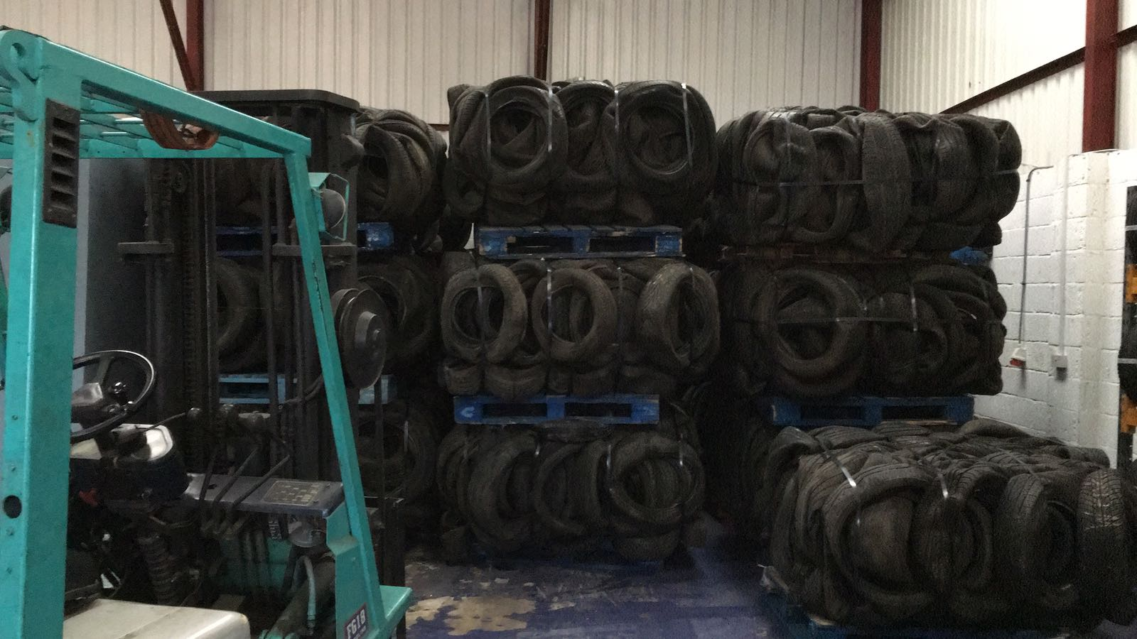 100 MT Car Scrap Tyres for Sale in Bales