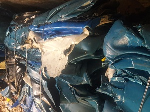 Offering 40,000 lbs HMW HDPE Drums Scrap in Bales