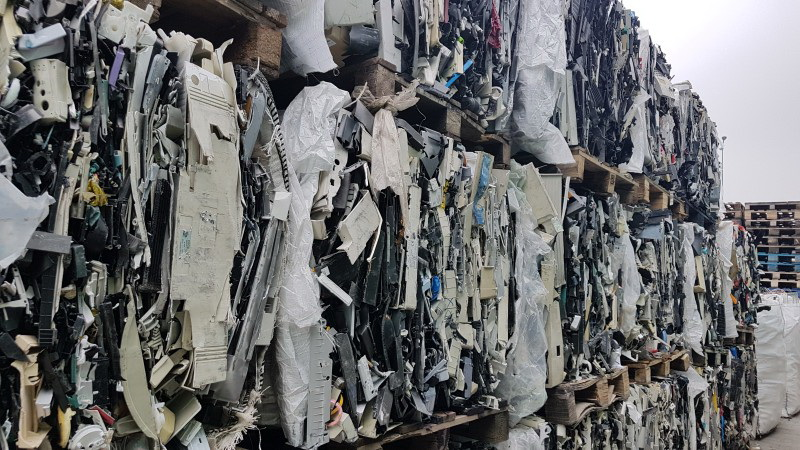 Mixed Plastic Scrap from Electronic Devices for Sale