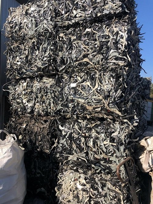 Supplying 60 Tons per Month PS Hangers Scrap