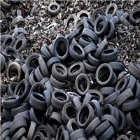 Selling 100 Tons Tyre Scrap